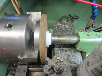 Squaring 200mm steel plate in lathe